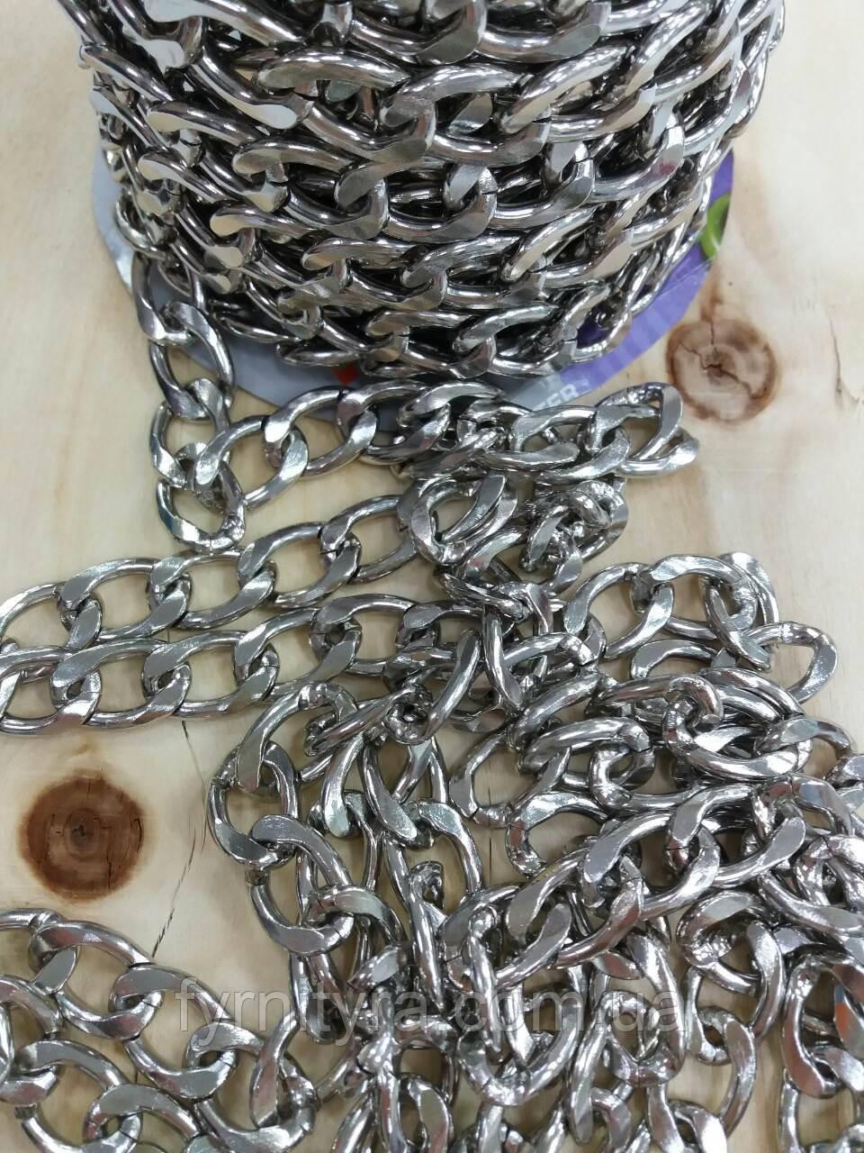 Цепь декоративная серебристая К-3.8 (23ммх15мм)