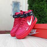 Жіночі зимові кросівки Air Force 1 Mid LV8 червоні, фото 6