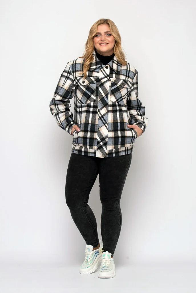 Короткая женская  куртка  в клетку из фланели, цвет чёрно-голубой, больших размеров от 48 до 58