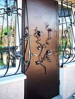 Входная металлическая дверь. Кованый рисунок.  Полимерное покрытие. Возможна доставка и установка.