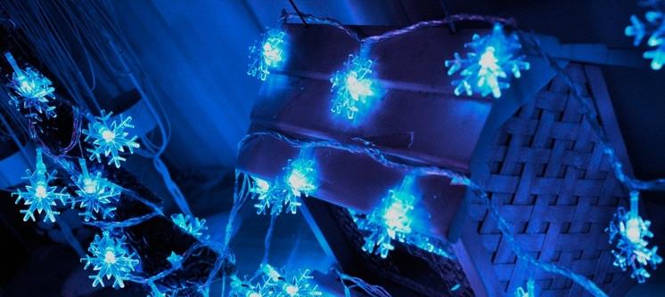 Новогодняя гирлянда снежинки 10 метров синий 100 Leds  IP44