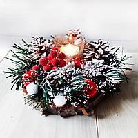 Новогодний подсвечник на спиле дерева с хвоей и шишками. Рождественский декор ручной работы