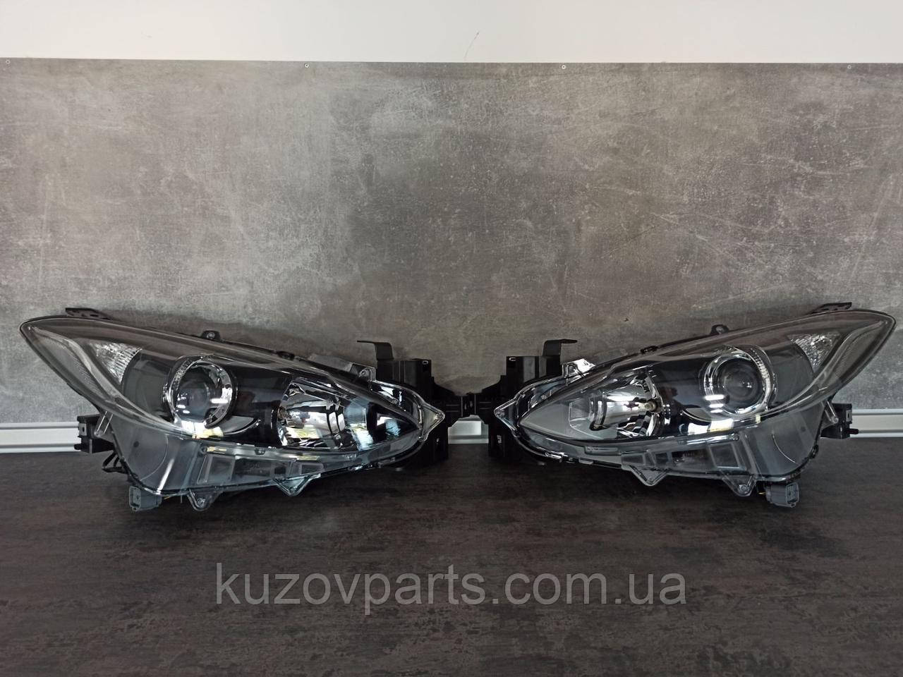 Фара передняя правая левая Mazda 3 2014 2015 2016