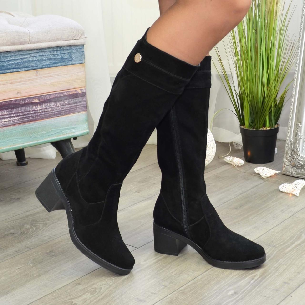 Жіночі чорні замшеві чоботи на стійкому каблуці