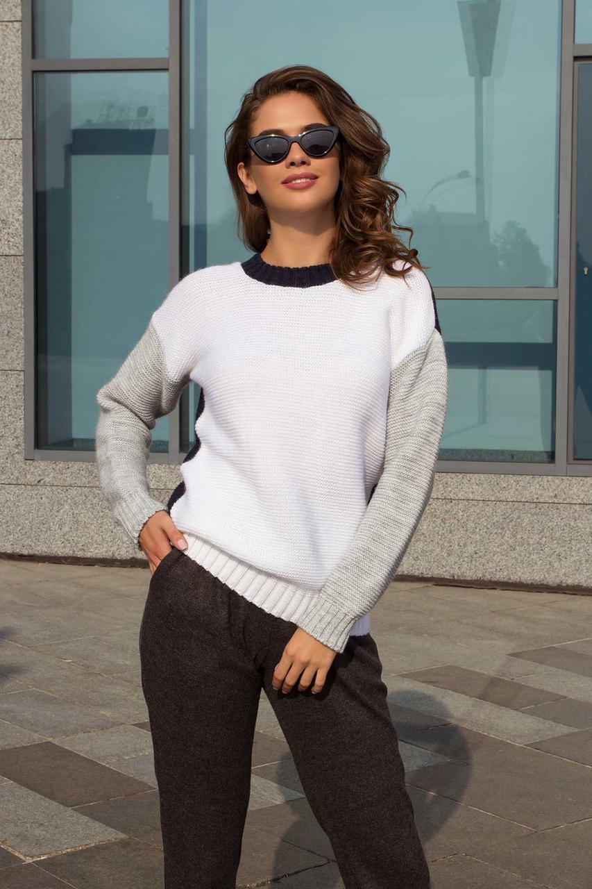 Красивый женский свитер трехцветный демисезонный