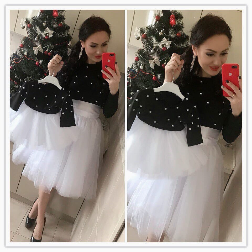 Одинаковый наряд топ и белая фатиновая юбка