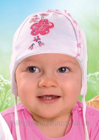 """Детская демисезонная шапка на завязках для девочки """"Цветочки"""" нежно-розовая (AJS, Польша)"""