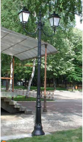 Фонарь уличного освещения на столбе 107