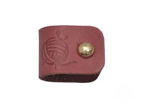 Бирка кожаная Клубочек 1.5х4.5 темно-розовая золотой винт к/к