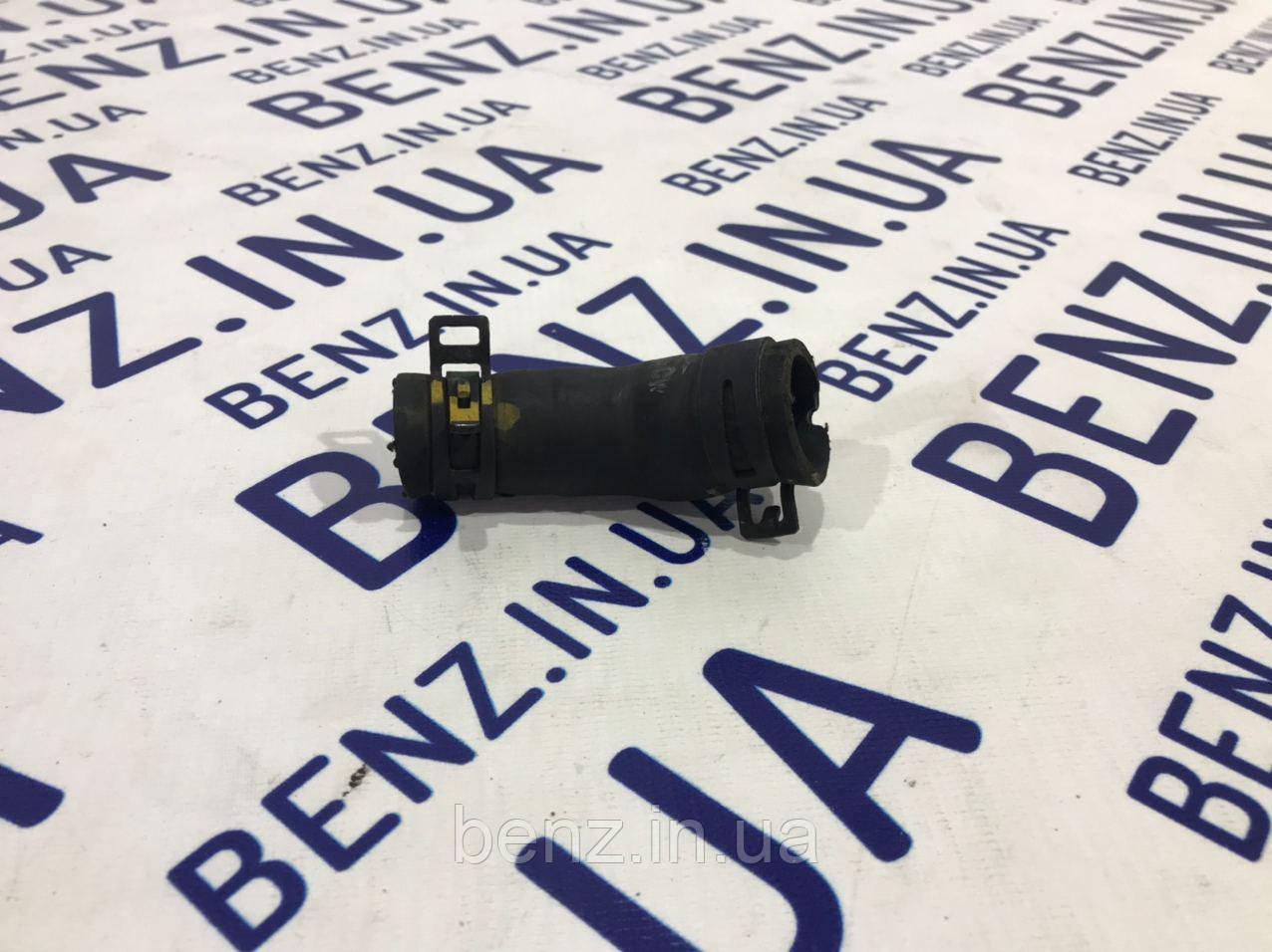 Патрубок охлаждающейся жидкости Mercedes W212/W204 A6512032182