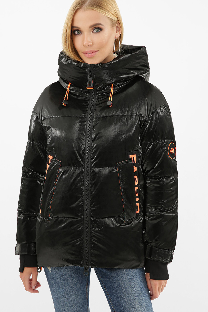 Жіноча трендова коротка зимова куртка чорна