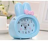 Детские настольные часы-будильник Зайчик. Синий, фото 3