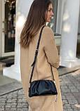 Женская кожаная сумка облако polina&eiterou черная, фото 2