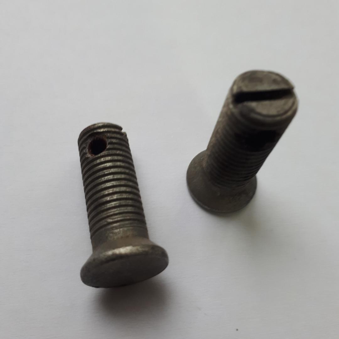Болт тормозной ленты ДТ-75 77.38.160