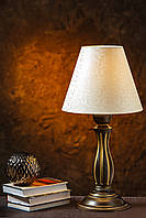 Настольная лампа на резной ножке, фото 1