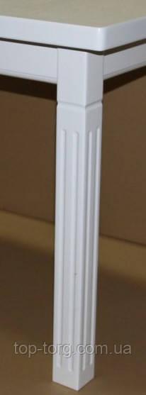 Рефленная ножка с вертикальными канавками стола Классик плюс