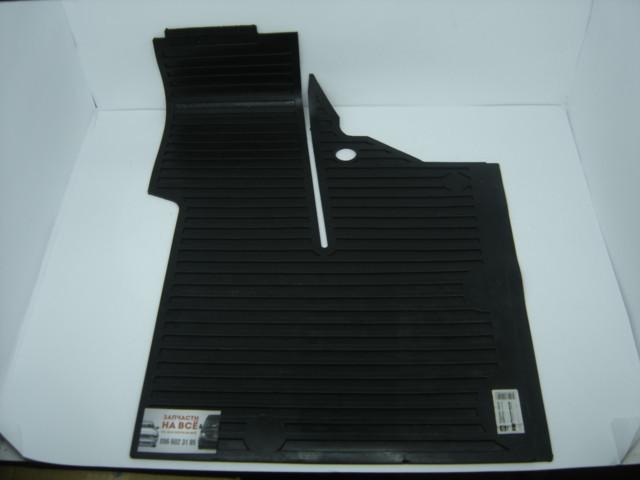 Килимок підлоги кабіни лівий н/о МТЗ 80-6702332