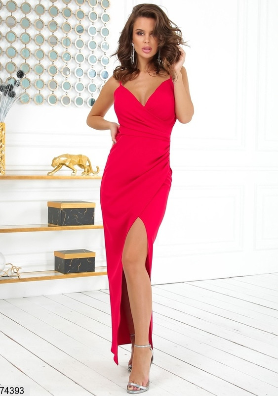 Длинное вечернее платье на бретельках р. 42-48 красное