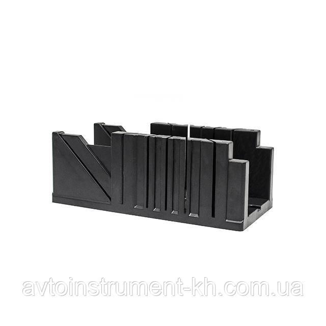 Стусло пластиковое 320x105x105 мм INTERTOOL HT-0726