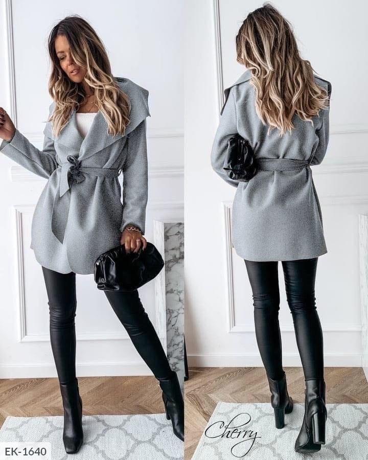Женское пальто, с карманами.  Цвета: чёрный, серый. Ткань: кашемир без подкладки.