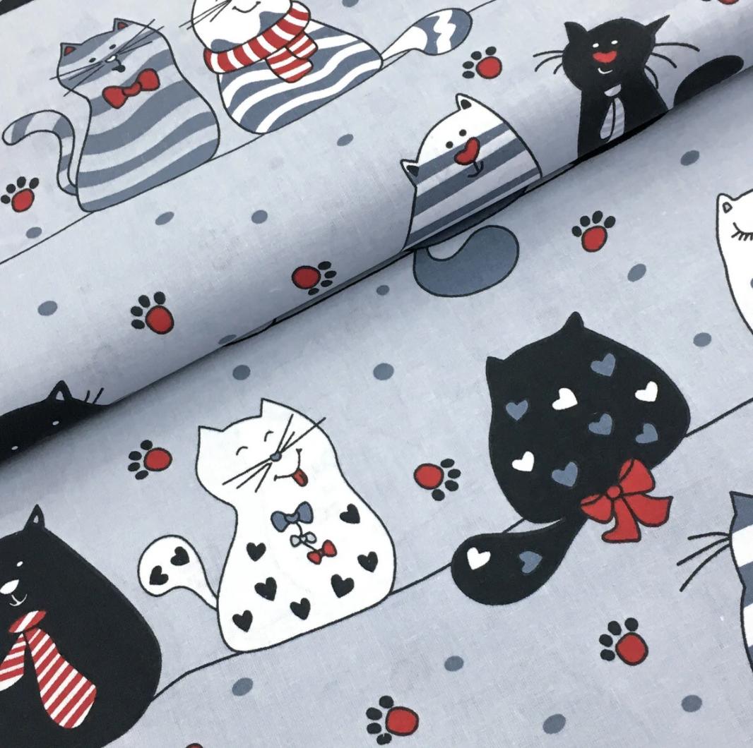 """Польская хлопковая ткань """"мартовские коты на сером с красным"""""""