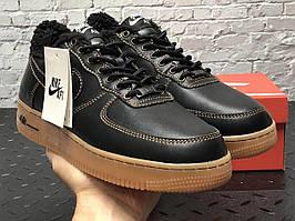 Зимние кожаные кроссовки на меху черного цвета Nike Air Force 1 Low Black Gum (Найк Аир Форс кожаные на меху)