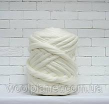 Крупная пряжа 100% шерсть для вязания пледов Цвет белый.