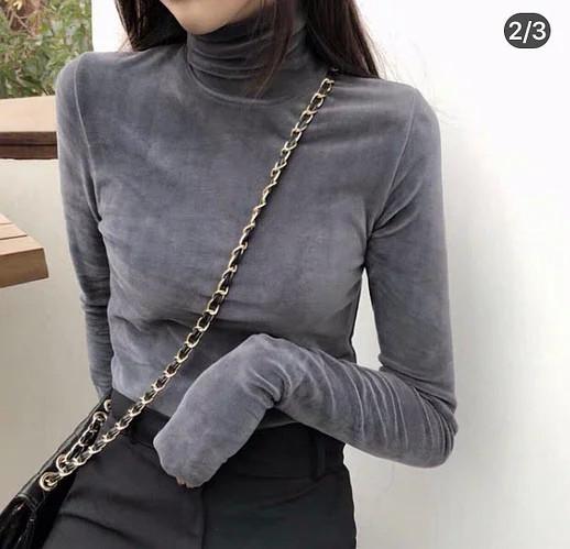 Гольф жіночий велюровий з довгим рукавом і високим горлом.І Р