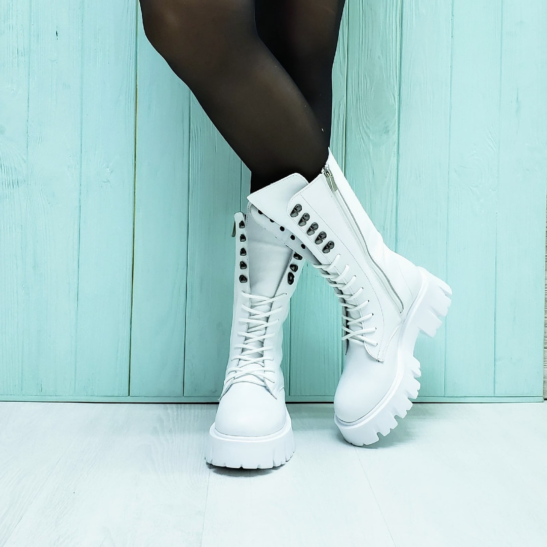 Ботинки кожаные белые