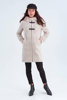 Пальто женское короткое шерстяное зимнее в клетку с мехом Корделия бежевый цвет, фото 2