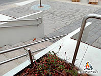 Перила без ригелей возле тротуара из нержавейки, фото 1