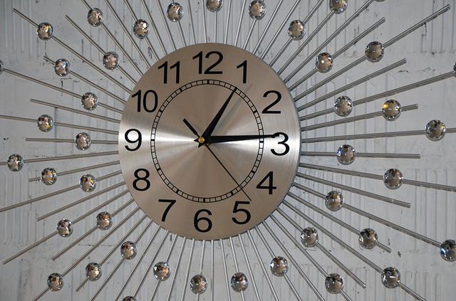 Металлические настенные часы (60 см.)
