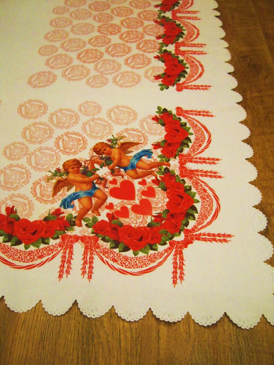 Красивая скатерть для стола