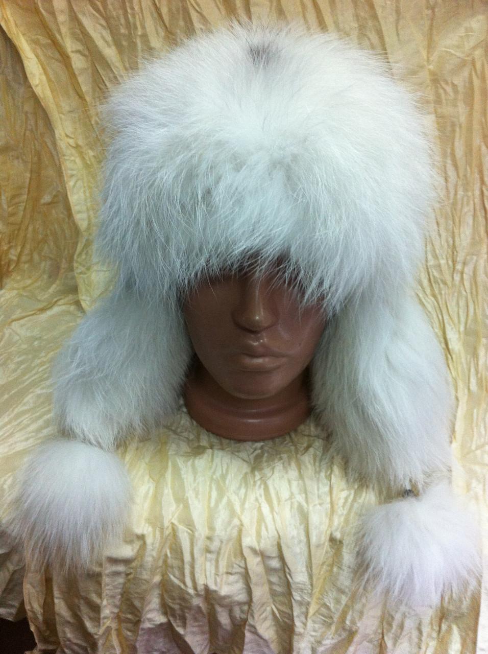 Женская  ушанка белого цвета  с мехом полярной лисы