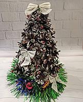 Новогодняя настольная елка с декором из шишек 2021 Ручная работа, фото 1