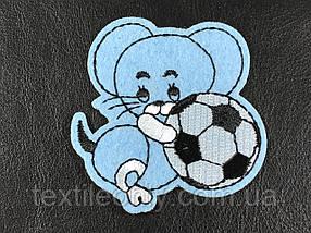 Нашивка Мишка з м'ячиком 60х60 мм