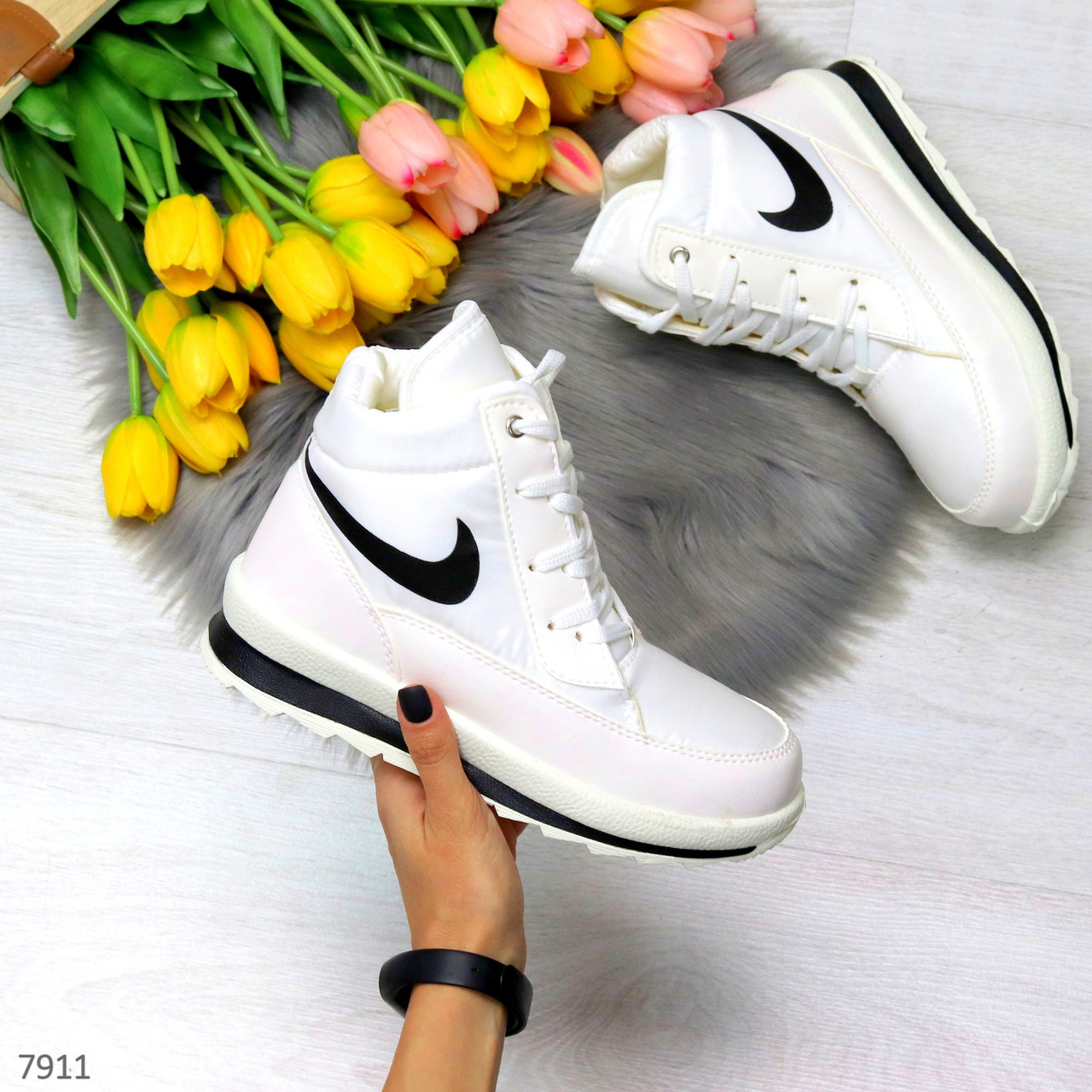 Молодежные высокие белые зимние женские кроссовки текстиль плащевка