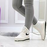 Молодежные высокие белые зимние женские кроссовки текстиль плащевка, фото 9