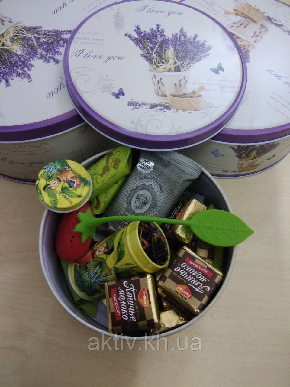 Подарочный чайно-конфетный набор