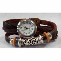 Браслет кожаный с часами и декором  (коричневый)