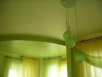 Двухуровневый натяжной потолок в спальне, фото 1