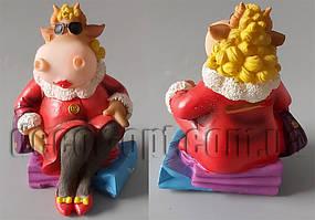 Коровка-модница в красном на подарках 13х11х9см