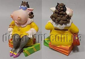 Коровка-модница в желтом на подарках 13х11х9см