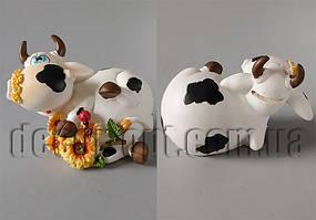 Коровка с цветами лежачая 10х14х8см B