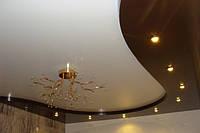 Двухуровневый натяжной потолок в зале, фото 1