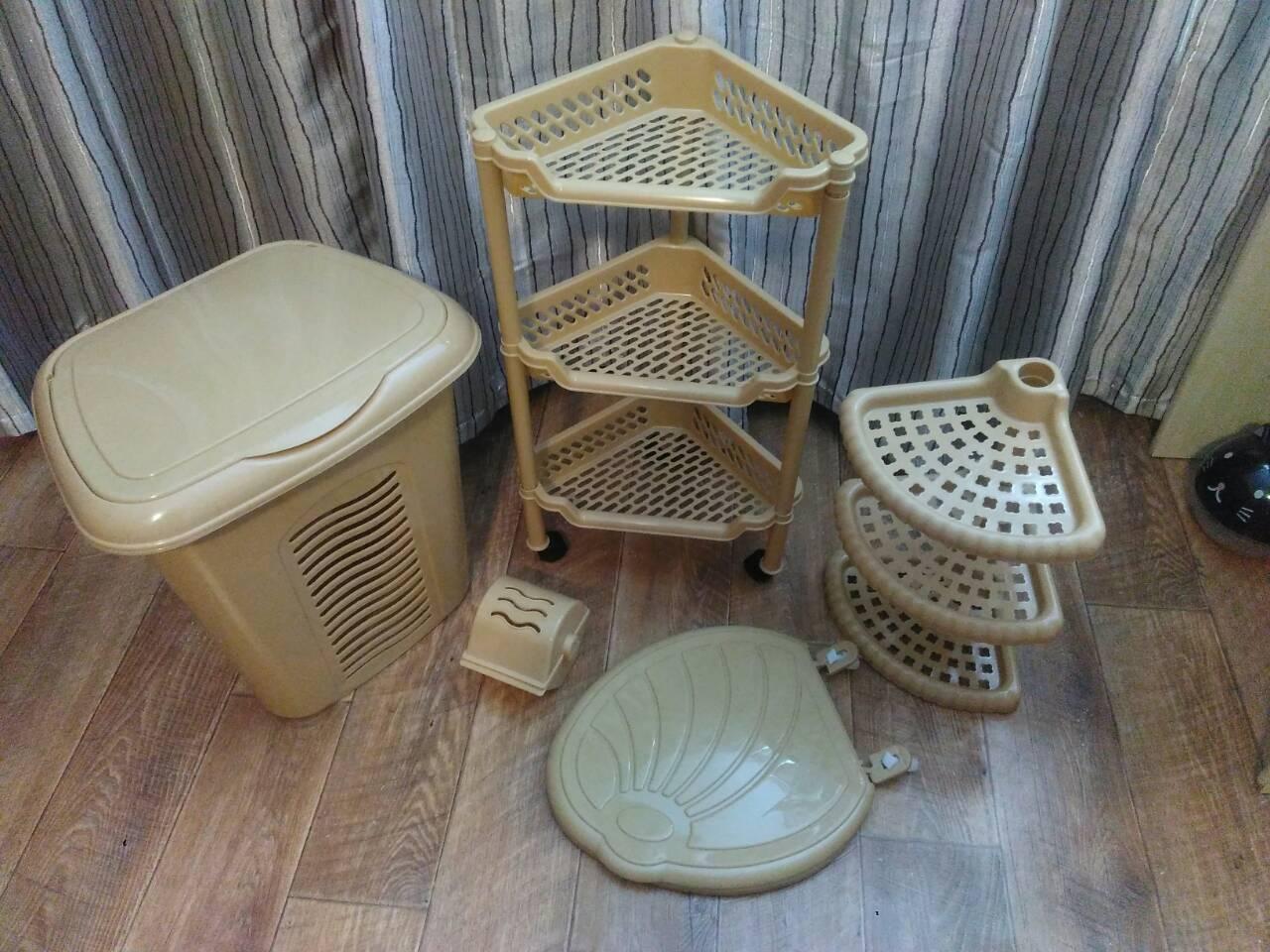 Бежевый комплект мебели в ванную