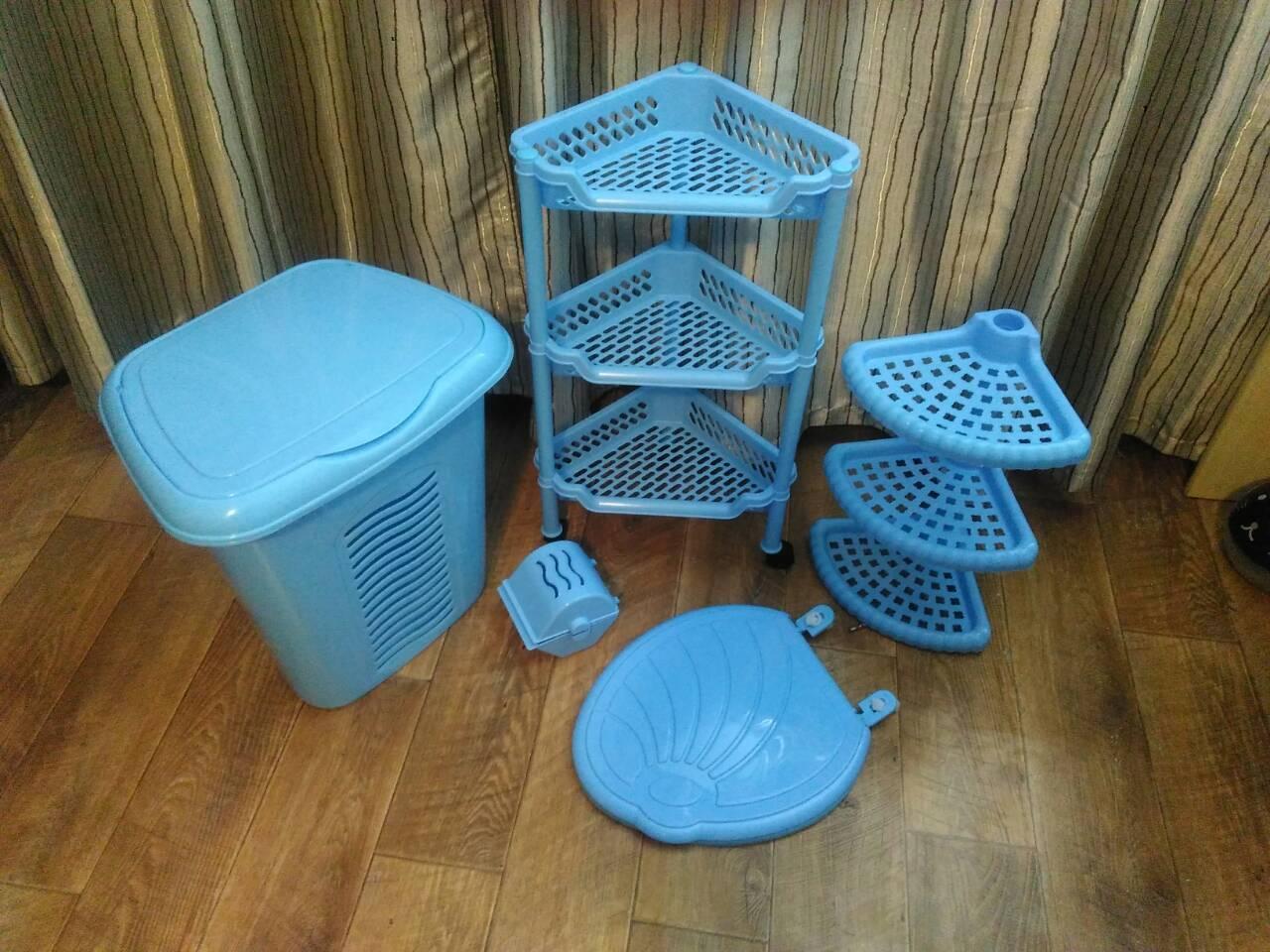 Голубой комплект мебели в ванную