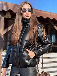 Жіноча куртка з еко-шкіри (в кольорах)