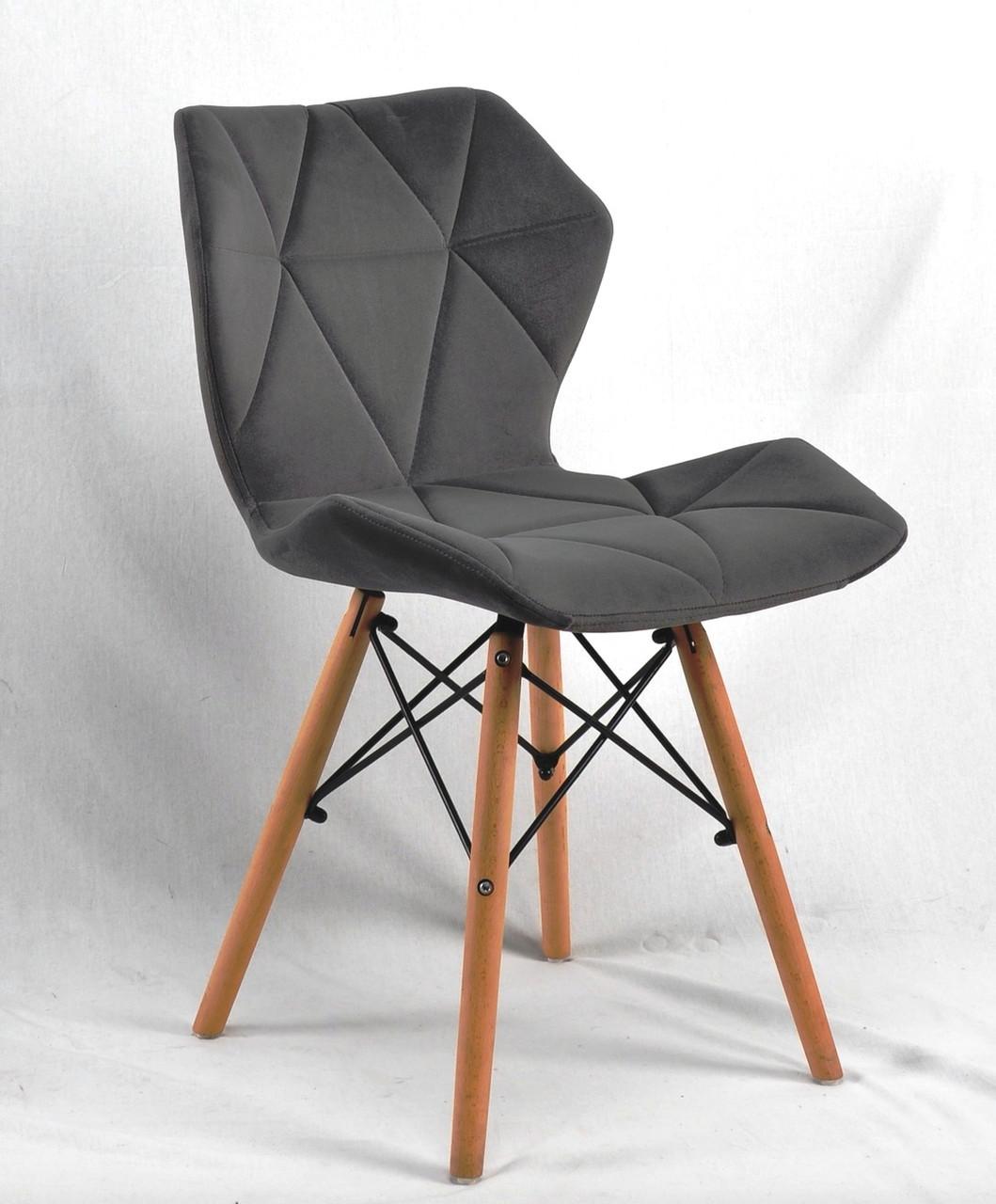 Сірий оксамитовий обідній стілець на дерев'яних ніжках з хрестовиною Greg