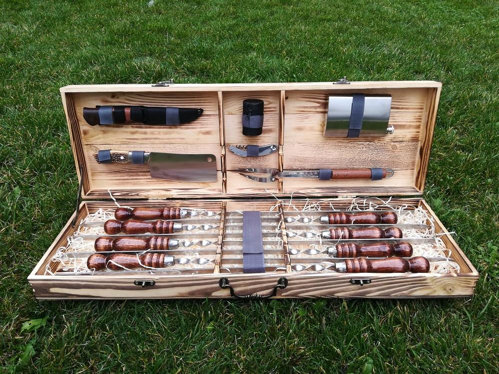 """Набор из 8 шампуров """"Vip"""" (670х12х3 мм)+комплект аксессуаров в деревянном кейсе"""